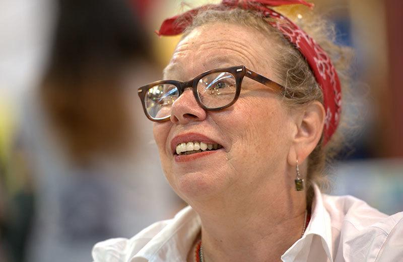 Lynda Barry headshot