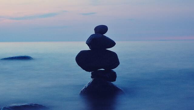 Rocks Balancing in Water